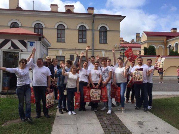 Волонтеры проекта «Твой первый шаг в карьере» на праздновании в Петропавловской крепости Дня семьи, любви и верности 8 июля 2018 года